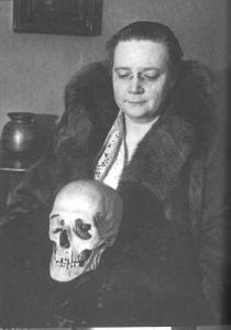 Dorothy-sayers-with-skull1