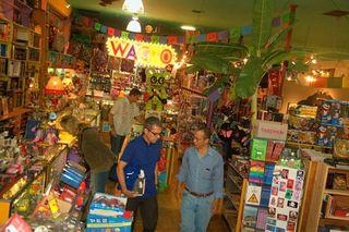 Wacko-de-luz-jesus-store