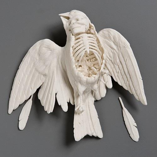 Porcelain bird with skull