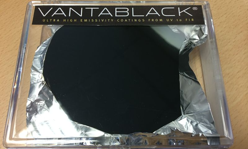 Vantablack-a-fabric-for-m-014